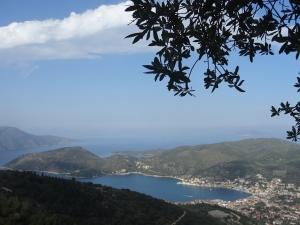La plus jolie vue d'Ithaque : la baie de Vathy (= profond en grec), îles ioniennes