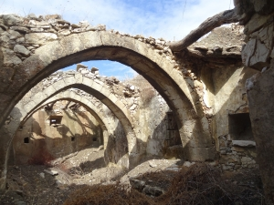 Maison abandonnée dans le village de Mitata. Cythère, îles ioniennes