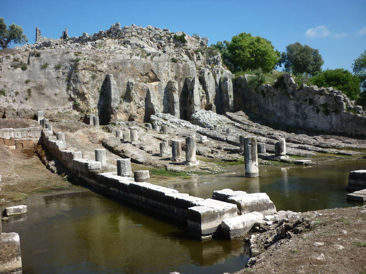 Very rare example of antique graving docks. Harbour of Œniades, 5th century BC, near Misolonghi.