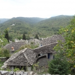 Toits de lauzes à Kipi. Zagoria.